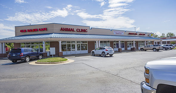 Spaces available for rent at Marshall Shopping Center in Marshall