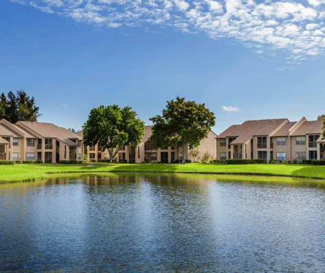 Bradenton apartments for rent at Harbour Pointe Apartment Homes have great amenities.