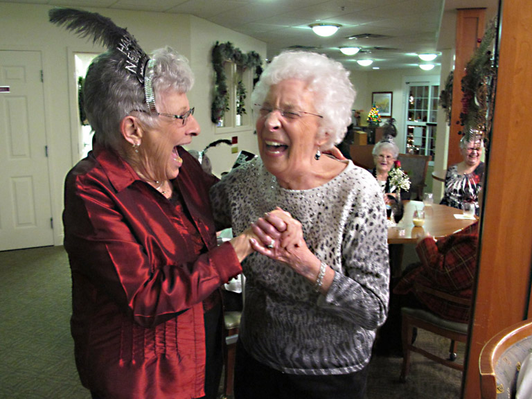 Residents Celebrate New Years at Traditions of Hanover