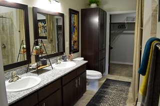 Dominion model bathroom 2 3