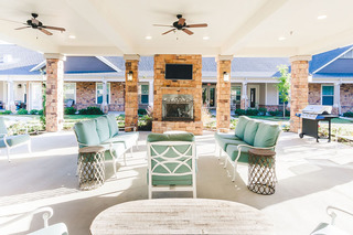 Photo tour assisted living in spring texas patio