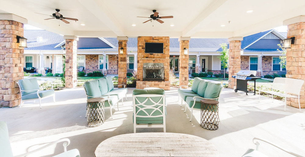 Huge assisted living in spring texas patio