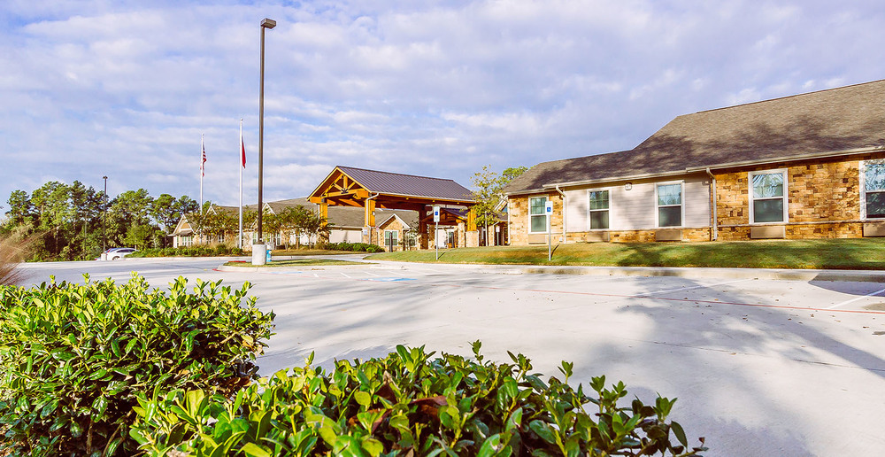 Huge assisted living in spring texas front entry 1