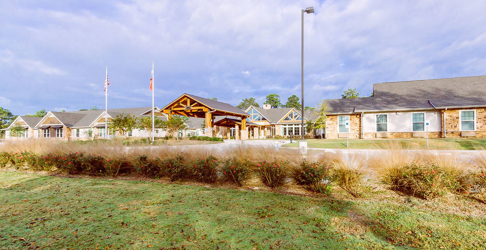 Huge assisted living in spring texas front view1