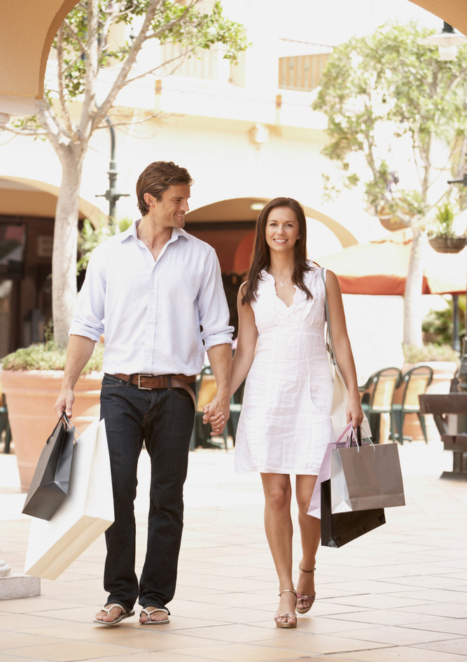 Apartments in  Brandon, FL has great nearby shopping.