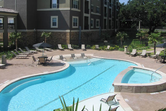 San Antonio apartments pool area