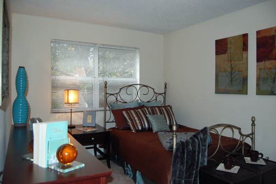 Model bedroom at Roanoke West apartments in Kansas City, Missouri