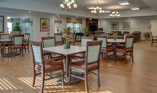 9 pittsburg senior living large dining room