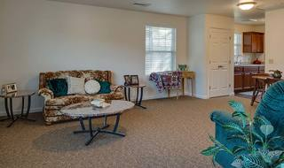 4 pittsburg independent living room