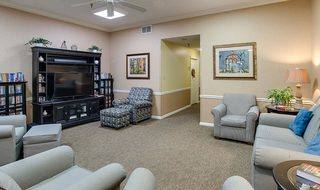 6 marshall assisted living tv lounge
