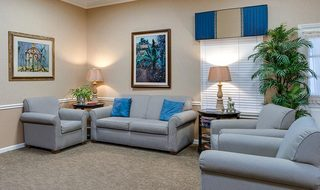10 marshall assisted living common areas