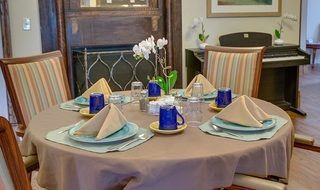 5 family style dining cuba memory care