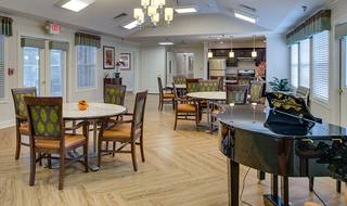 8 piano dining room nixa assisted living
