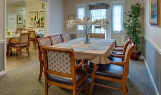 7 private dining room assisted living