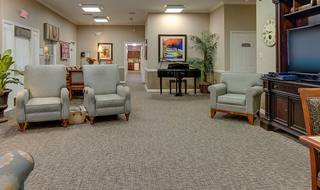 6 tv loung dogwood pointe milan assisted living