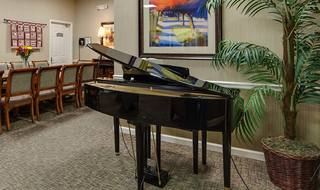 8 piano lounge milan assisted living