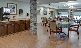9 quaker hill large dining room