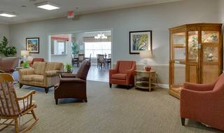 6 resident loung with birdcage willow springs assisted living