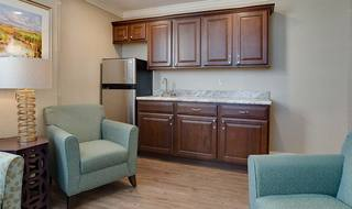 10 spring hill seniors memory care living space