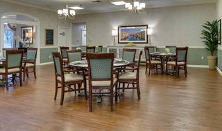 5 ozark assisted living dining room