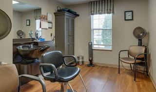 13 paris assisted living on site beauty barber shop