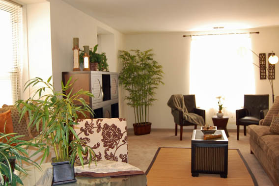 Apartment living room at Quality Hill Apartments