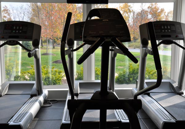 Fitness treadmill Portage Pointe Apartment Homes