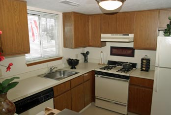 Portage Pointe Apartment Homes in Streetsboro, OH has floor plans that include spacious kitchens.