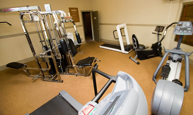 Available gym at StonePoint University Place