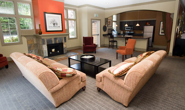 Lounge at StonePoint University Place apartments