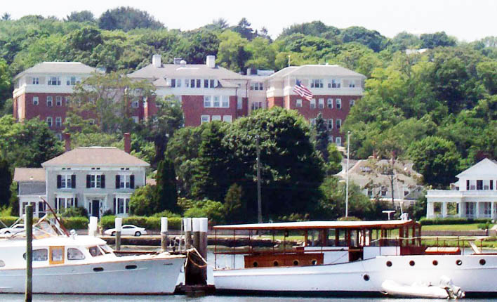 Retirement living in Mystic, CT has nearby water activities.