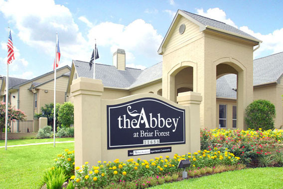 Luxury apartments at The Abbey at Briar Forest