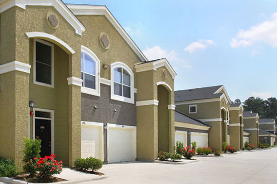 Apartments garages woodlands tx The Abbey on Lake Wyndemere