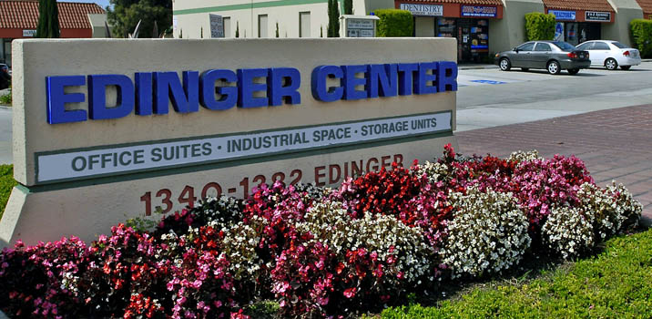Edinger center Pouch Self Storage
