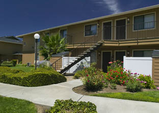 Heritage Oaks Apartments in Woodland, CA
