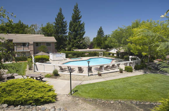 Pool of Canyon Terrace multifamily apartments for rent folsom ca