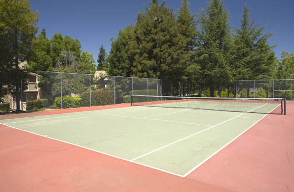Tennis courts at Canyon Terrace pet friendly apartments for rent folsom ca