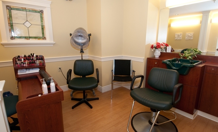 Salon Plymouth Crossings