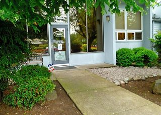 Veterinarian entrance at Santa Clara Animal Hospital