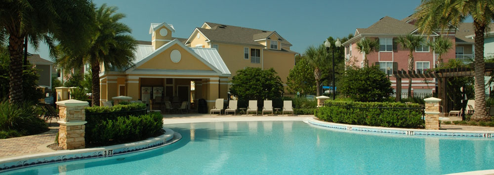 Take a dip in the sparkling swimming pool at apartments in Orlando