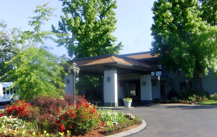 Exterior of independent living community in Medford OR