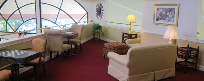 Assisted living in Roseville, California lounge
