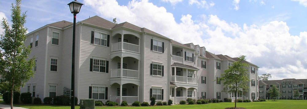 Building exterior at Cedar Grove Apartments in North Charleston
