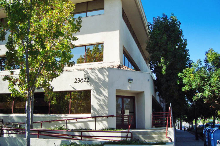 Office property for lease in Calabasas has street access