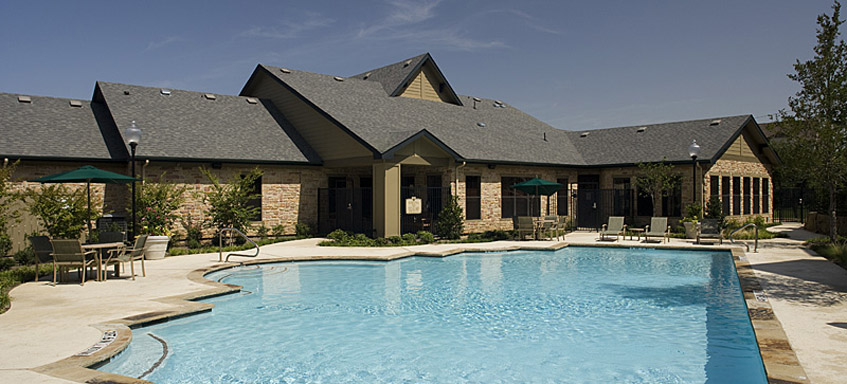 Grand prairie tx apartments community pool Lakeside Villas