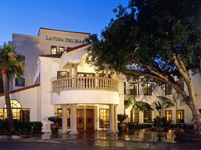 Solana beach assisted living community entrance La Vida Del Mar