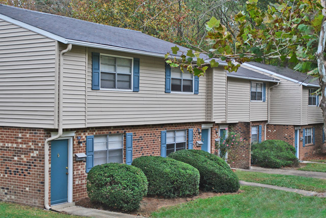 building at Chapel Hill Apartment Rentals