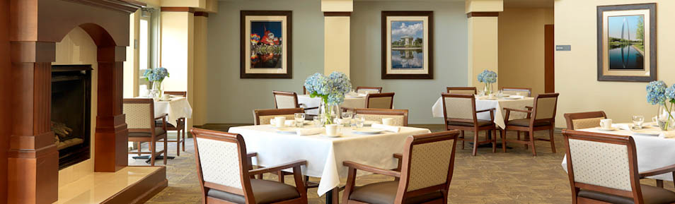 Residents enjoy fine dining at Garden View Care Centers