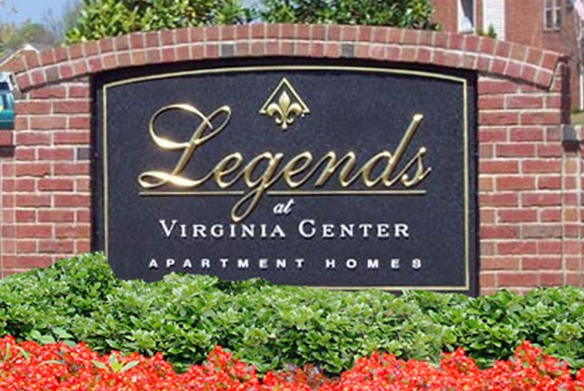Entry sign Legends at Virginia Center