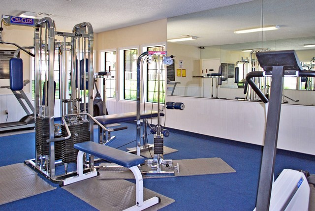 fitness center at the Apartments For Rent in Las Vegas, NV 89103